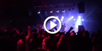 Miles de fans de MrProper se congregan para ver a sus ídolos semidesnudos